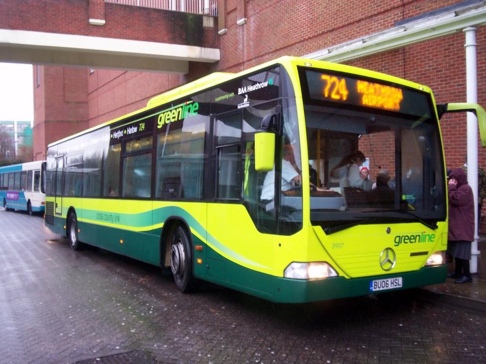 arriva-green-line-3907-r724-welwyn-081207-matt-robinson